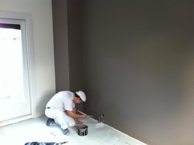 Muur verven de juiste volgorde en prijzen op een rijtje for Welke muur verven woonkamer