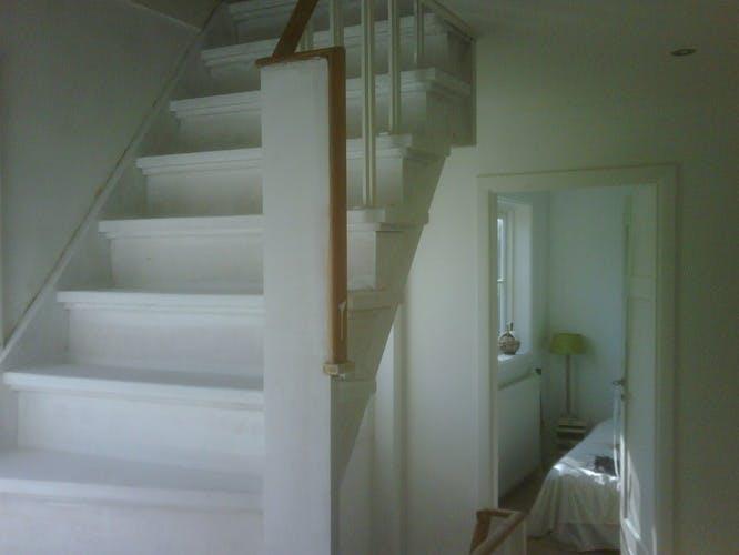 Trap Opknappen Ideeen : Ingenieuze trapideeën voor een loft upstairs traprenovatie